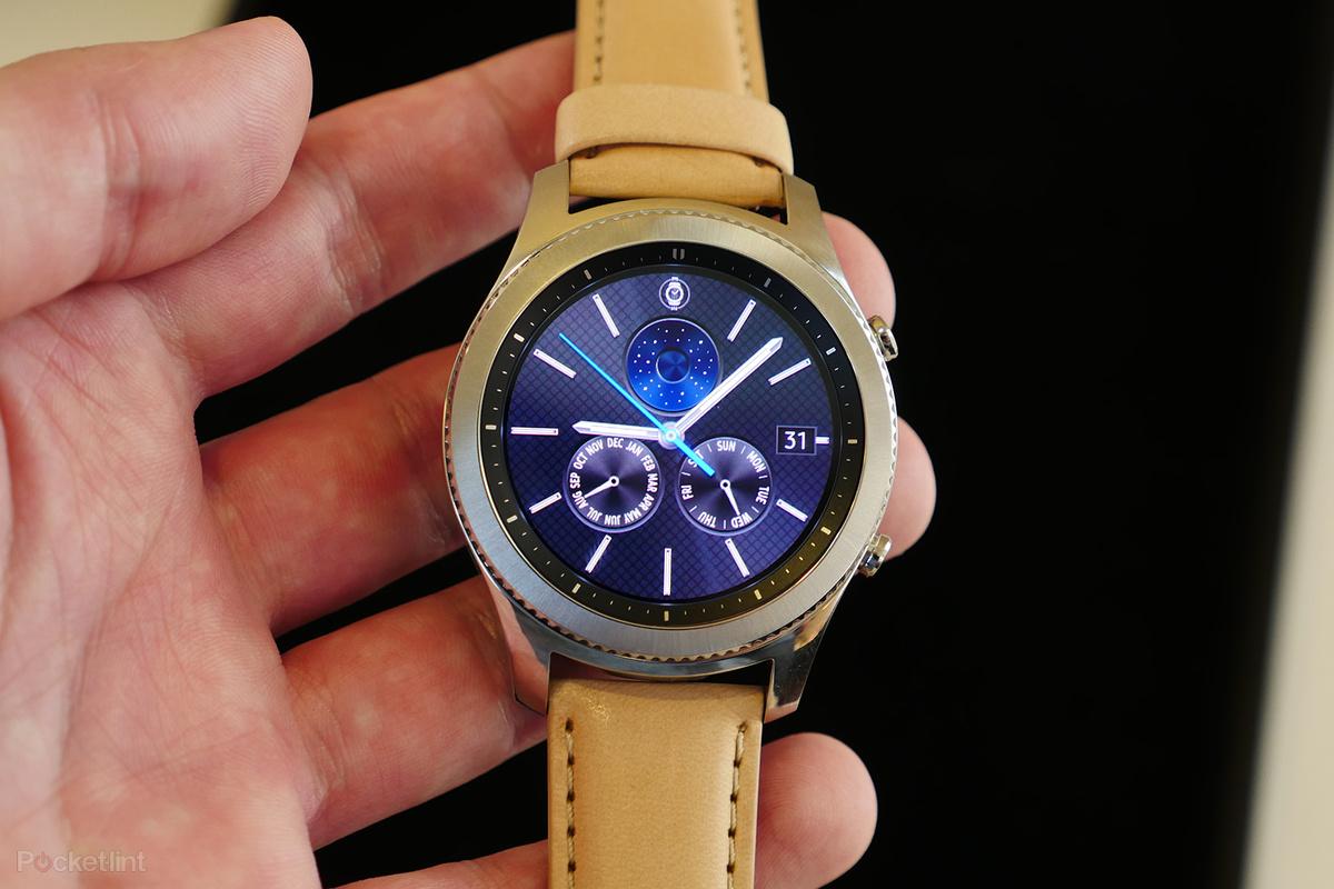 142004 smartwatches news samsung will announce the next gear s smartwatch at ifa 2017 image1 sllmragg75 - ساعة Gear S4 الذكية الجديدة المقدمة من سامسونج سيتم الإعلان عنها الأسبوع القادم