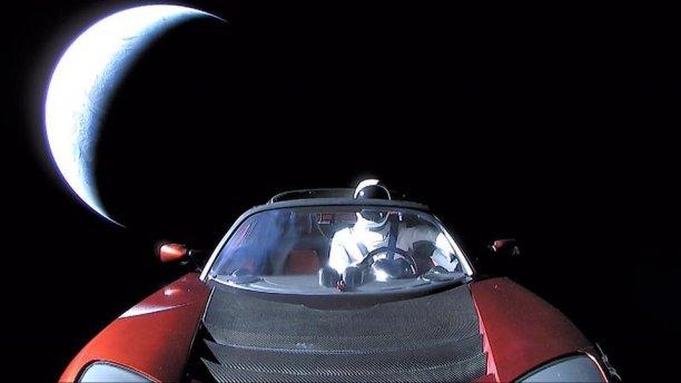 5a7dc35ed0307219008b4c34 960 540 - رد إيلون ماسك عن سبب إطلاقه لسيارة تيسلا نحو المريخ