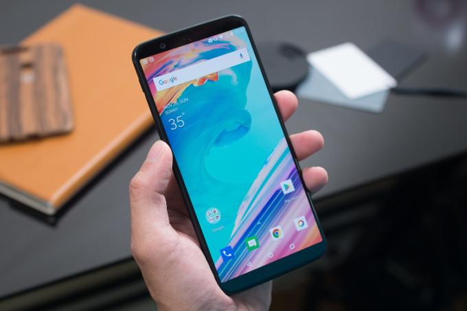 Best mid range 400500 flagship phones in 2018 - أفضل الجوالات الرائدة 4 | جوالات رائدة وأخرى تقدم تجربة فريدة في حدود سعر 2,000 ريال سعودي