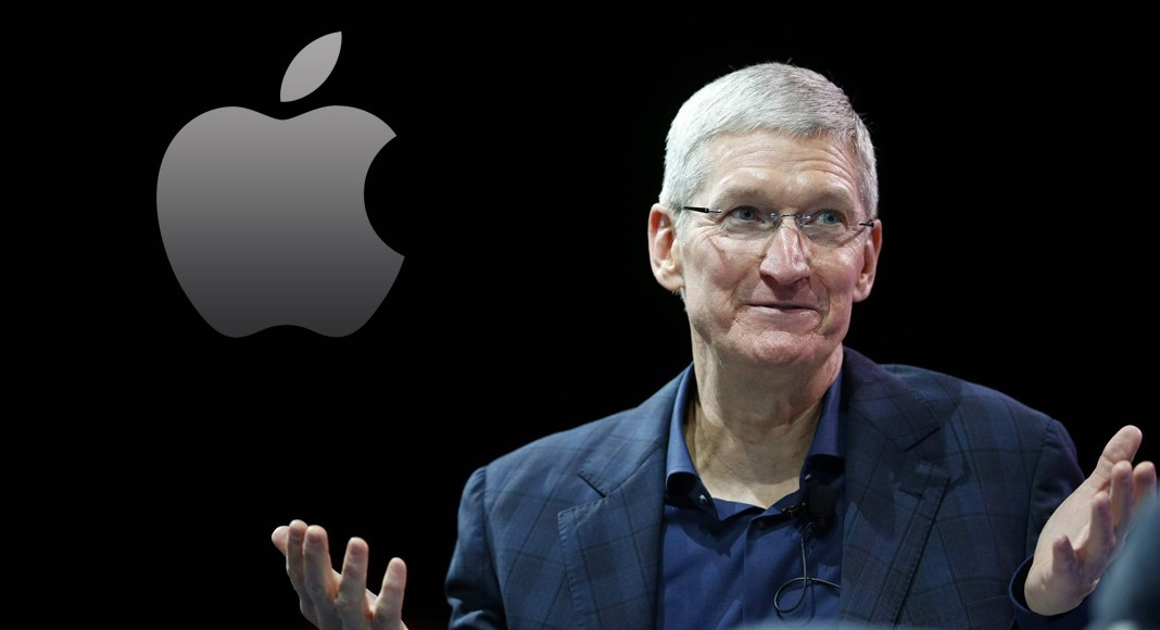"Tim Cook Apple 1 - هكذا رد ""تيم كوك"" رئيس شركة آبل على فضيحة الخصوصية الأخيرة للفيسبوك"