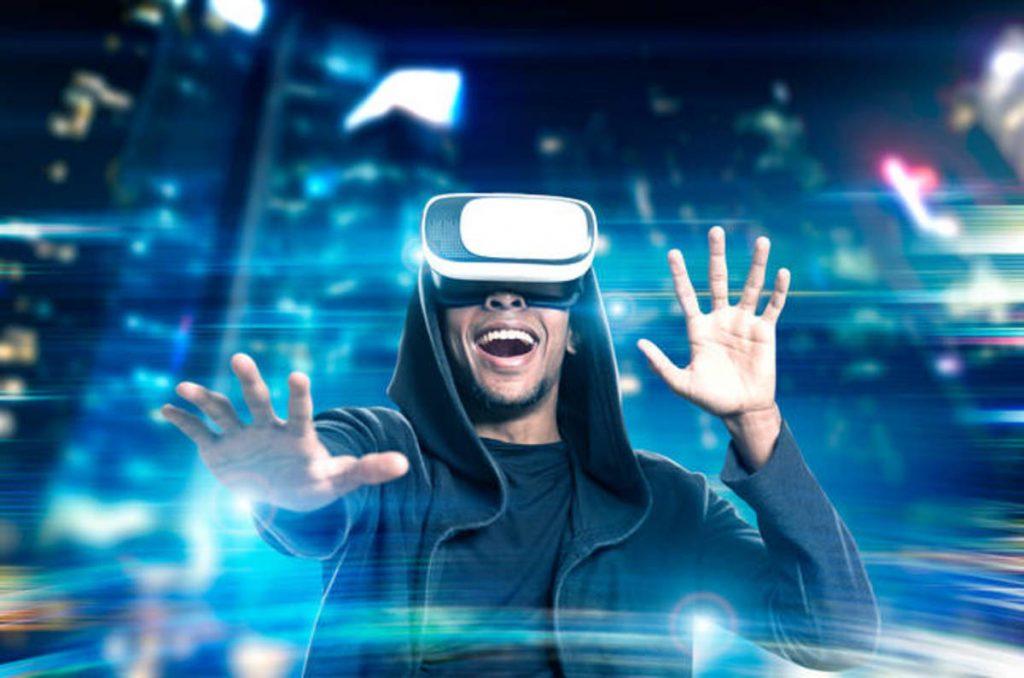 Virtual Reality 1024x678 - تعرف على الأضرار الجانبية للاستخدام المطوّل لنظارات الواقع الافتراضي