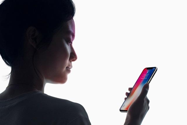 iPhone X Face ID - تعرف على طريقة زيادة دقة التعرف على الوجه Face ID في آيفون X