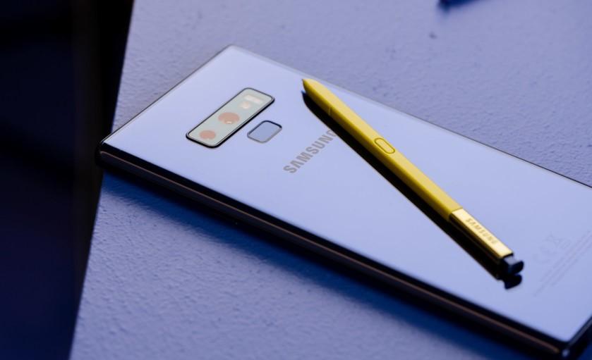 Samsung Galaxy Note 9 Hands On 17 840x560 - مقارنة مفصلة بين جوال جلاكسي نوت 9 الجديد مع أبرز منافسيه مثل: P20 برو و S9 بلس وغيرهم