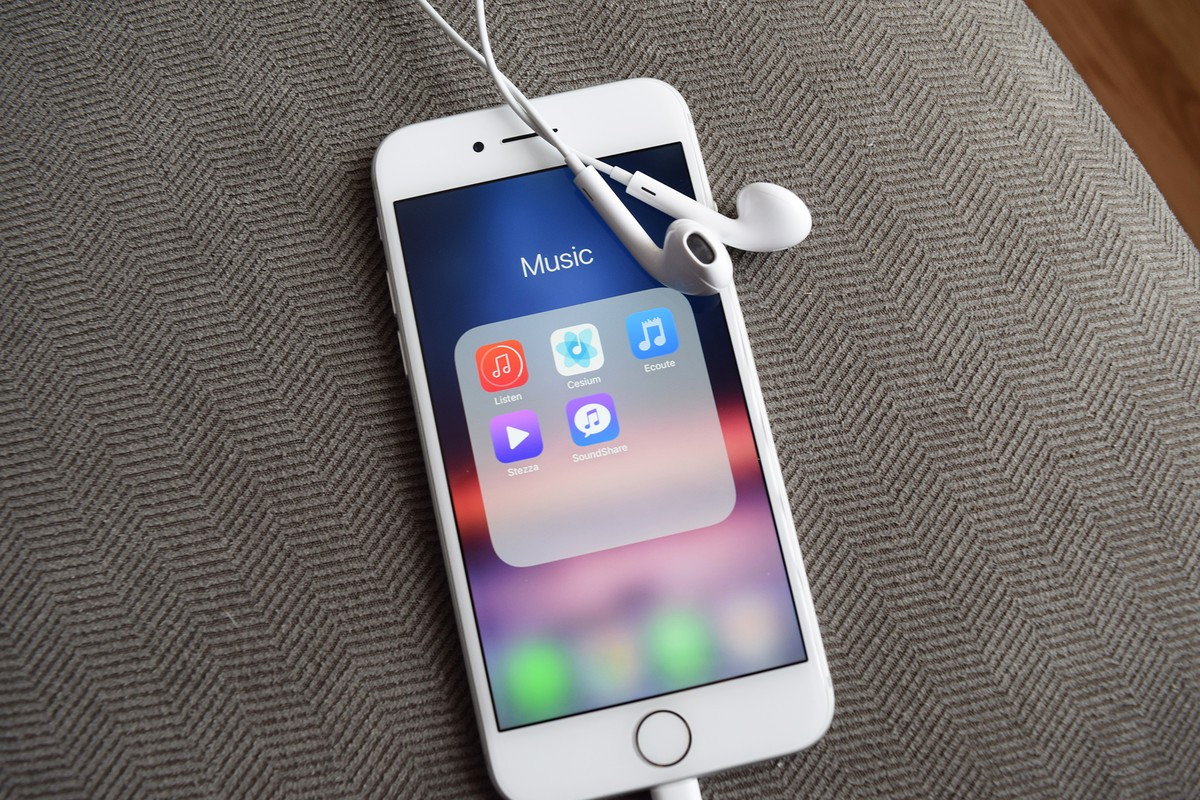 best music player apps hero 01 - كيف تحمل تطبيق او لعبه حجمها كبير على البيانات الخلويه بدون واي فاي؟ تعرف على الطريقة