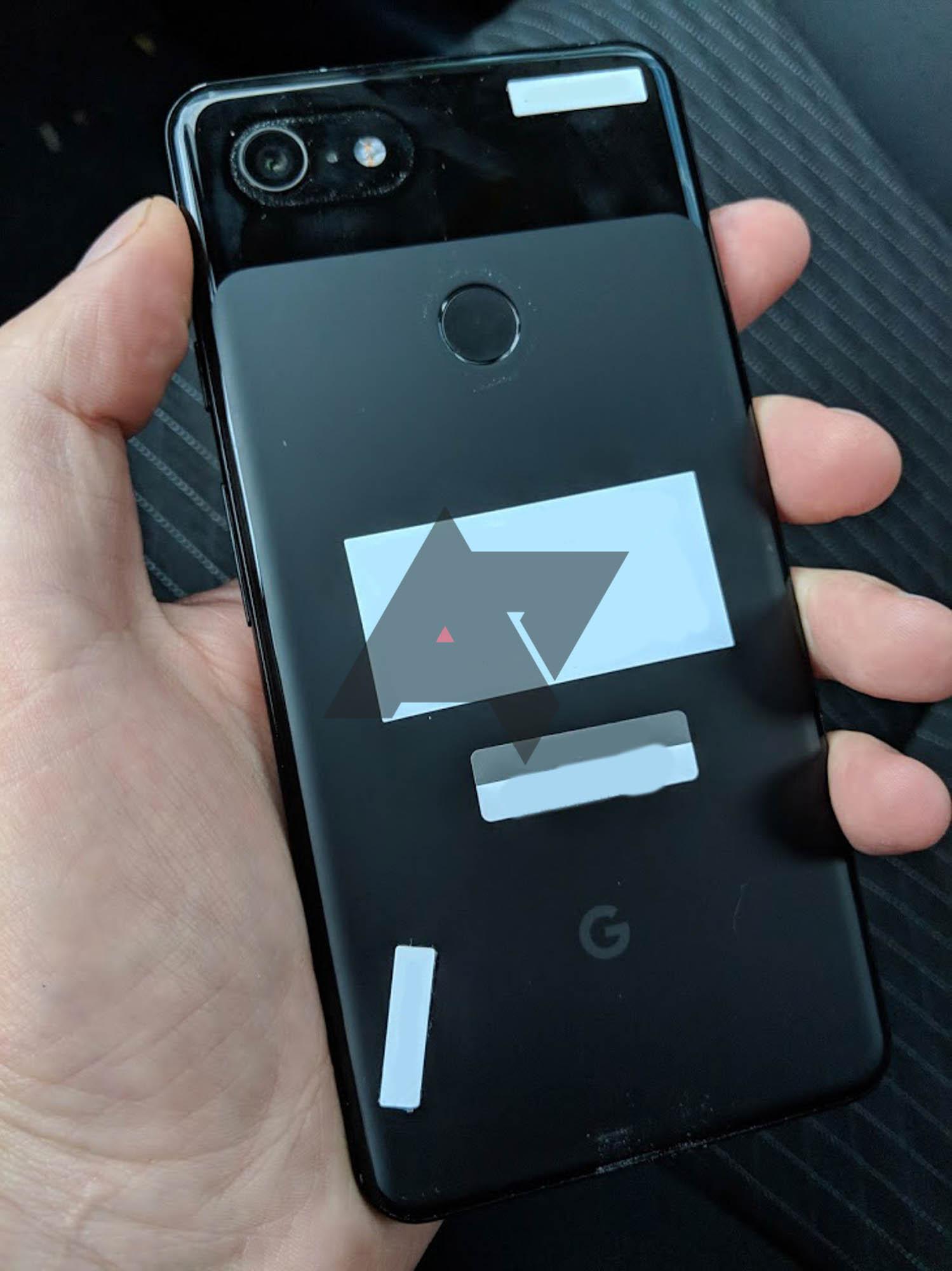 3 - قبل إطلاقه بشهر تقريبا، سائق يعثر على بيكسل 3 XL في سيارة تابعة لشركة Lyft