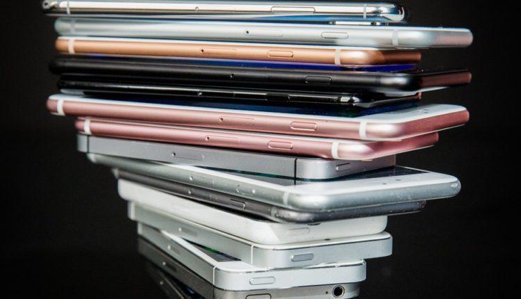 iphones ios12 750x430 - تعرف على أجهزة آبل المتاح لها نظام iOS 12 مع خطوات استقبال النظام الجديد