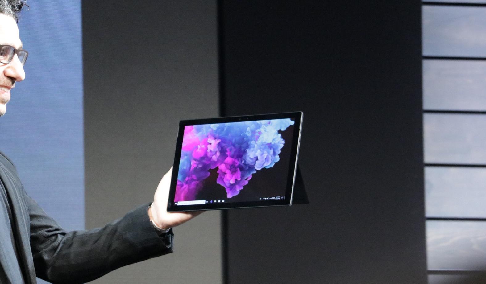 Surface Pro 6 - مايكروسوفت تكشف رسميًا عن جهاز Surface Pro 6 بتصميم أسود أنيق