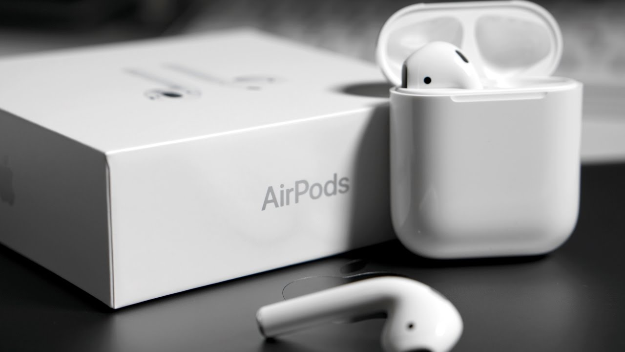 AirPods 2.0 - مقارنة بين سماعة آبل AirPods اللاسلكية الجديدة والسابقة، وأبرز المزايا الجديدة
